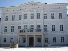 Pałac Jedlinka pięknieje na wiosnę